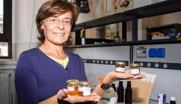 Angela Bassoni con l'erisimo